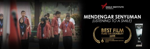 Mendengar Senyuman